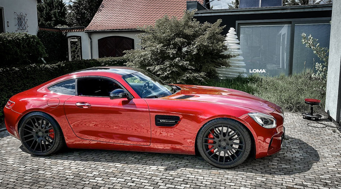 Mercdedes AMG GT.