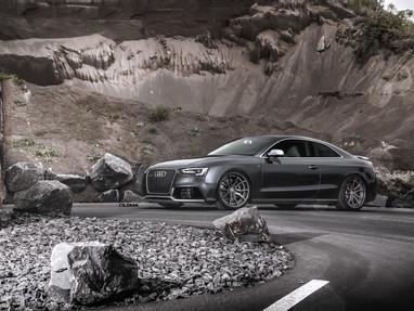 Audi RS5 Custom Wheels.