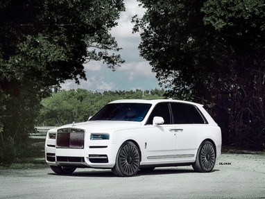 Rolls Royce Cullinan Custom Wheels.