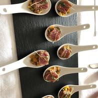 Seared tuna with mango and pineapple salsa