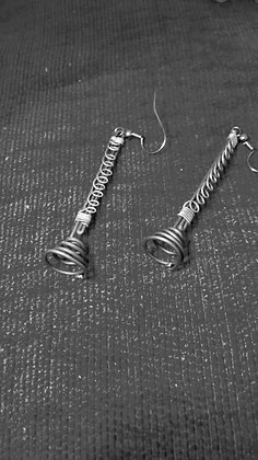 """Clarinet"" earrings in black iron"