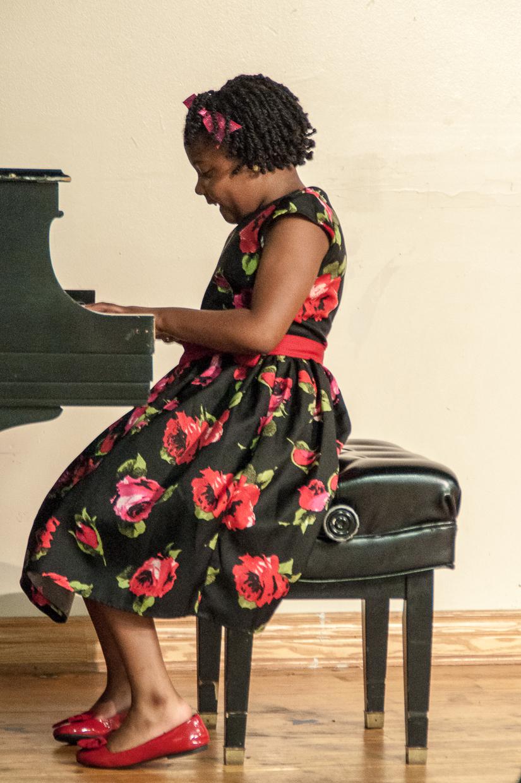 Rowe Academy recital 6-12-2015-6577.jpg
