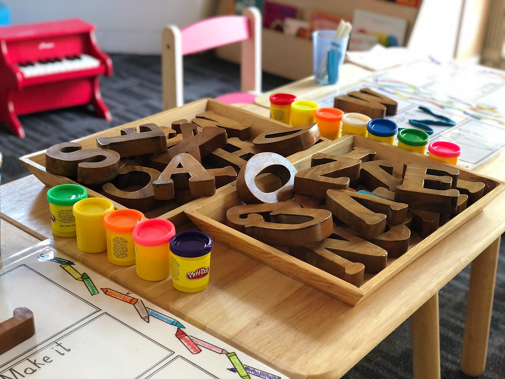 Spieltisch in einer Spielgruppe