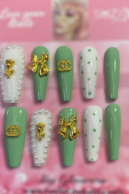 Beautiful in Green inspired nails/XL