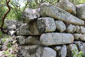 Huehuepiaxtla, megalithic walls