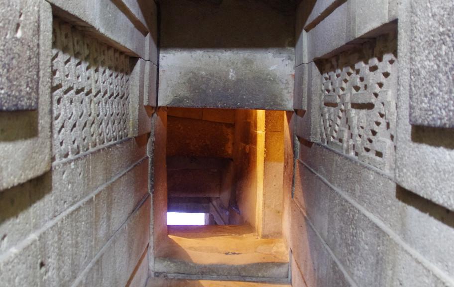 Mitla, Subterranean Tombs