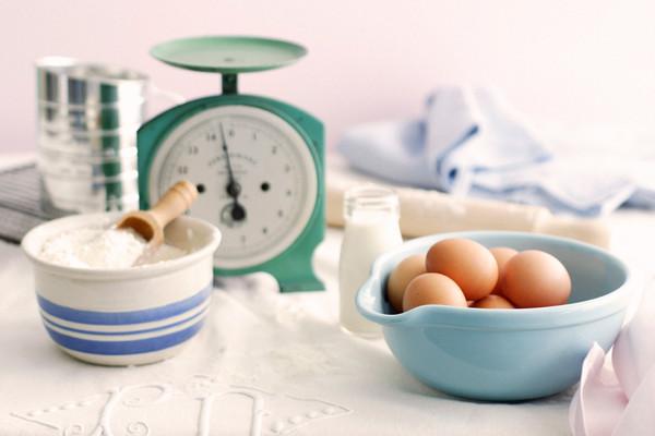 Jahreszeitenküche: Rhabarberkuchen mit Baiserhaube