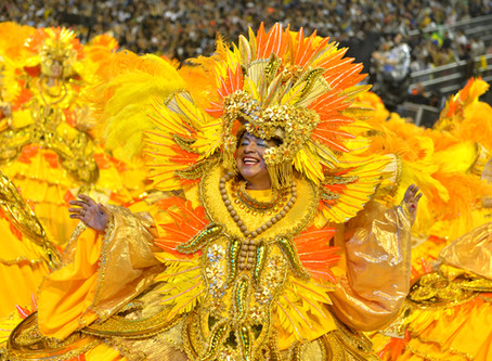 Águia de Ouro abre segunda noite de desfiles no Anhembi