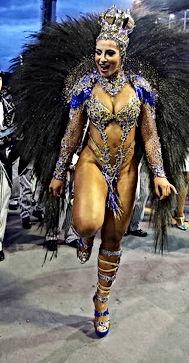 Cynthia Santos Rainha da Bateria