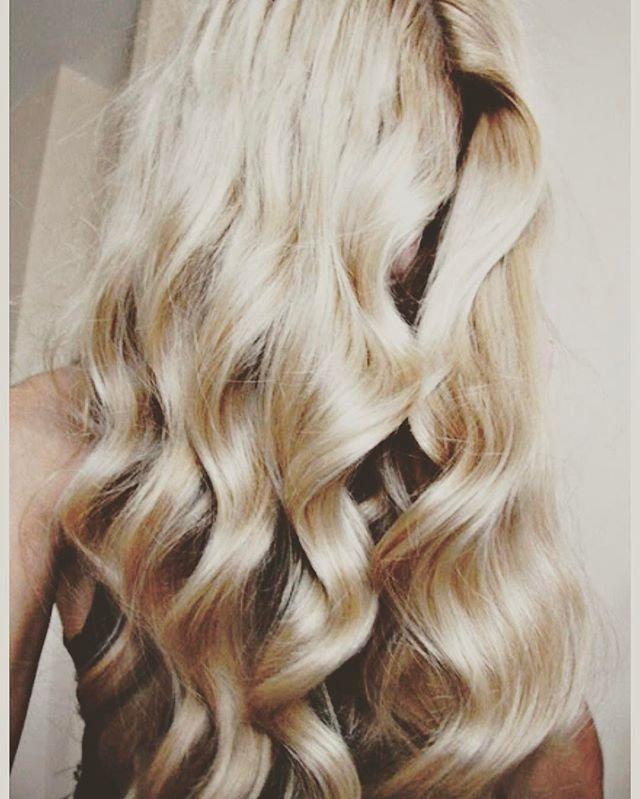 #summerhair #summercolours #fresh #curl #bouncyblowdry #bounceback #hairextensions #naturalhair
