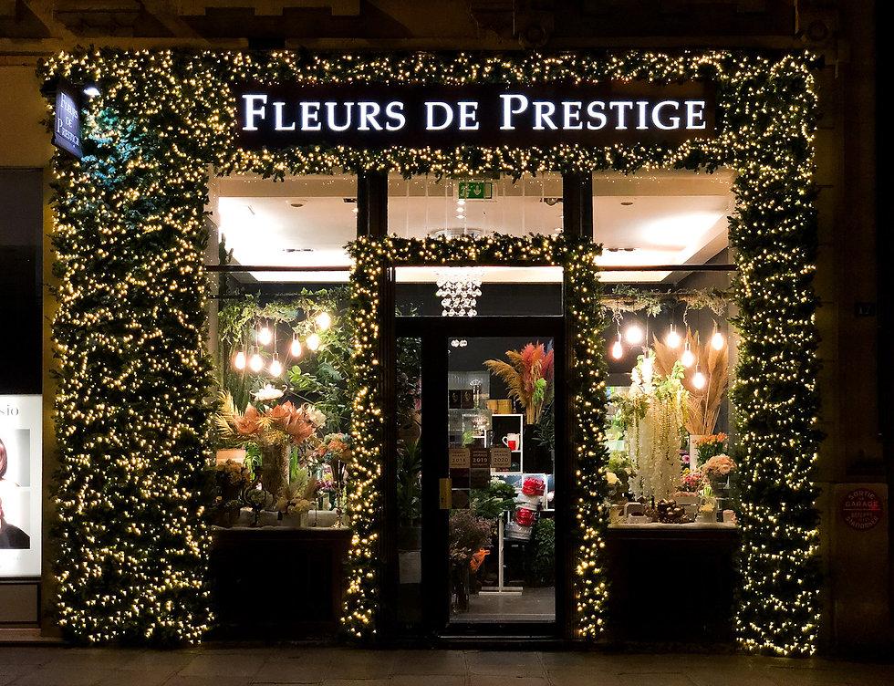 Fleurs de prestige - Décoration de notre vitrine pour noël