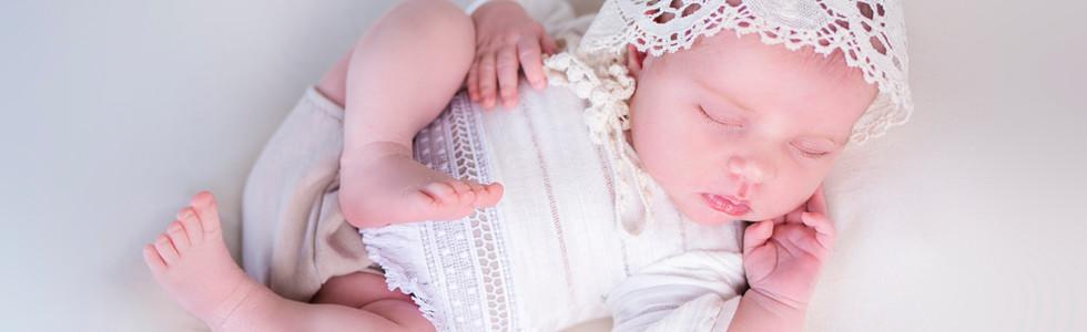 Newborn Photo Shoot Leicester, Little dreamers photography, Adele Holland, Newborn baby photography, newborn photographer leicester, Queniborough photographer