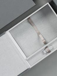 foliobox_-_box_and_prints_550x275_7.jpg