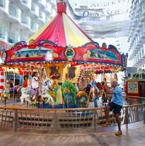 oasis-carousel-boardwalk-man-girls-activ