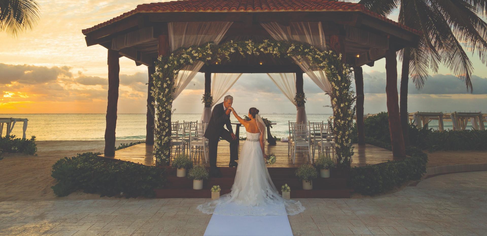 Hilton-Playa-del-Carmen-Wedding-Gazebo-C