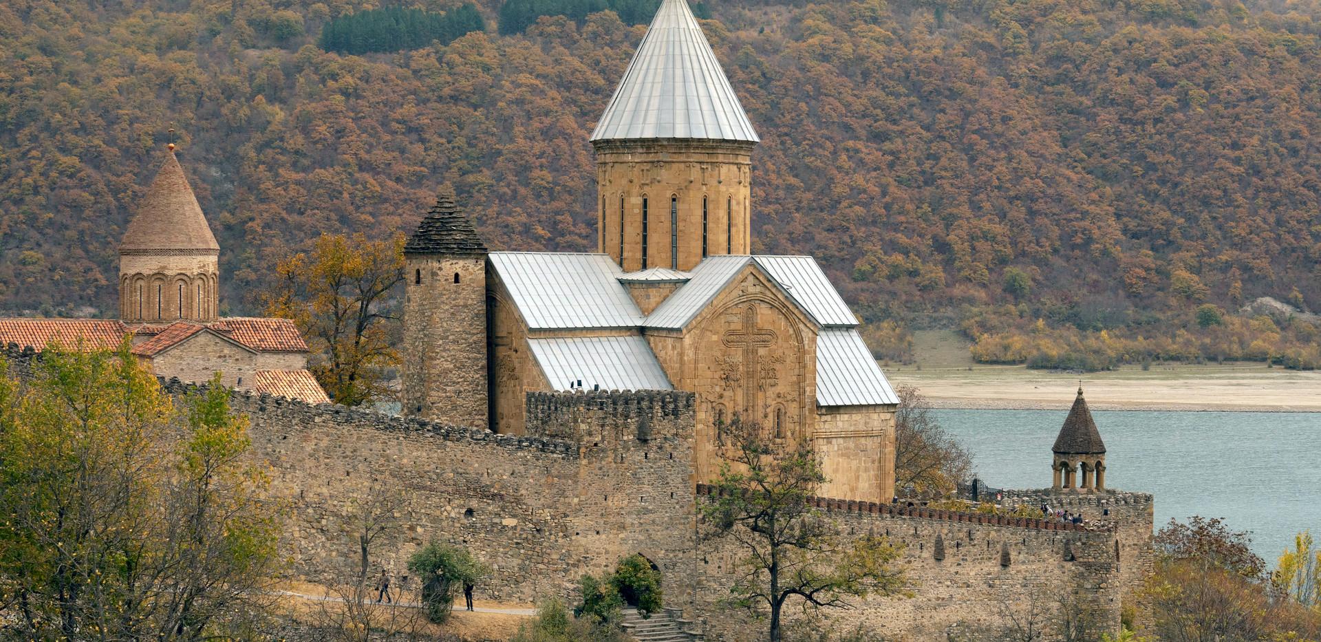 Die Festung Ananuri an der Georgischen Heerstraße