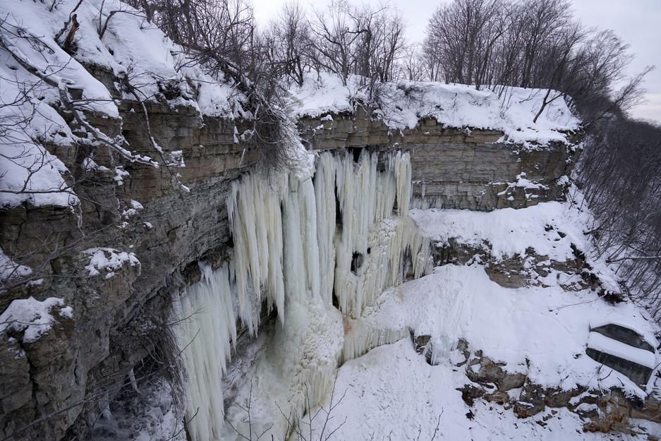 Gefrorene Schönheit: Der Valaste-Wasserfall im Norden Estlands