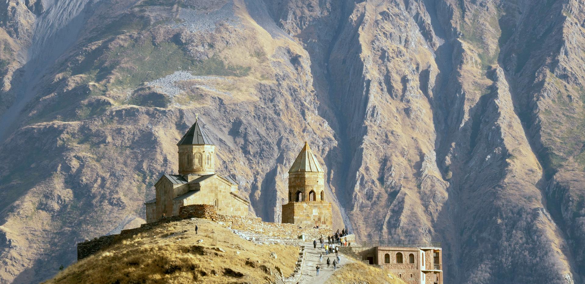 Dreifaltigkeitskirche Tsminda Sameba/Kasbegi/Großer Kaukasus - millionenfach fotografiert