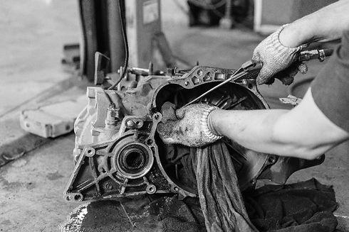 cleaning-car-engine-bw-min.jpg