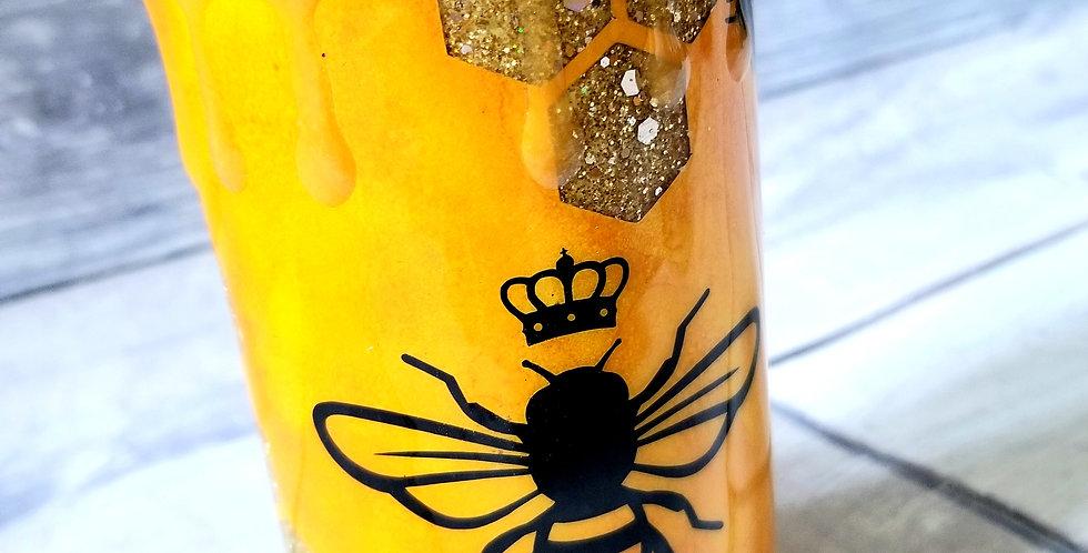 Queen Bee Douzie!