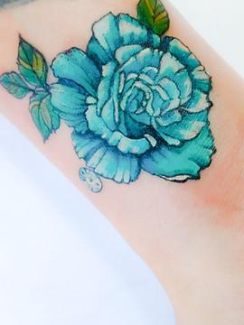rose handgelenk wrist tattoo.jpg