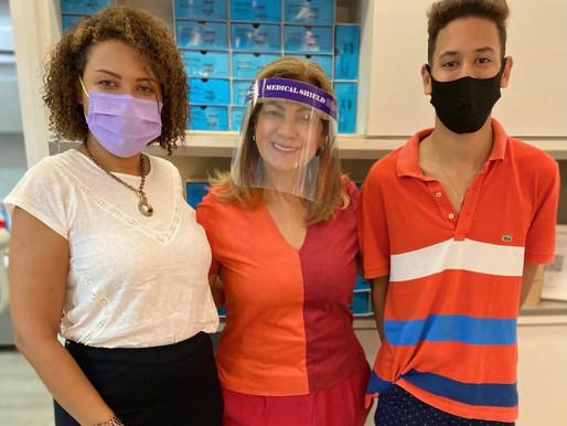 Família , mãe e filho apoiando a campanha Julho Laranja 🧡