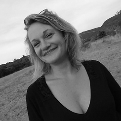 Karyn Grzwaczyk fondatrice de l'agence K'art en main | Saintes, Charente-Maritime