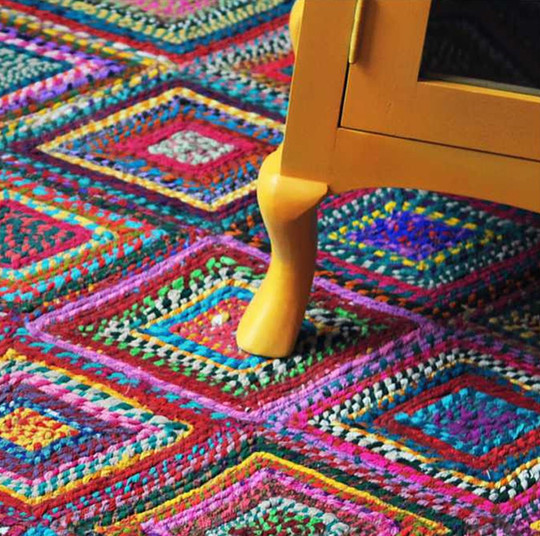 06-Ethnic rug multi.jpg