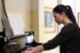 Mara Kaisari plays Schubert.JPG