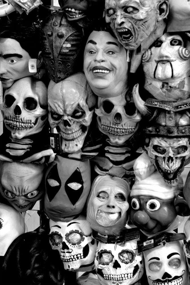 La Familia de Mascaras