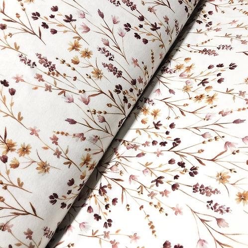 Jersey-Stoff weiß mit Blumenwiese am Ballen