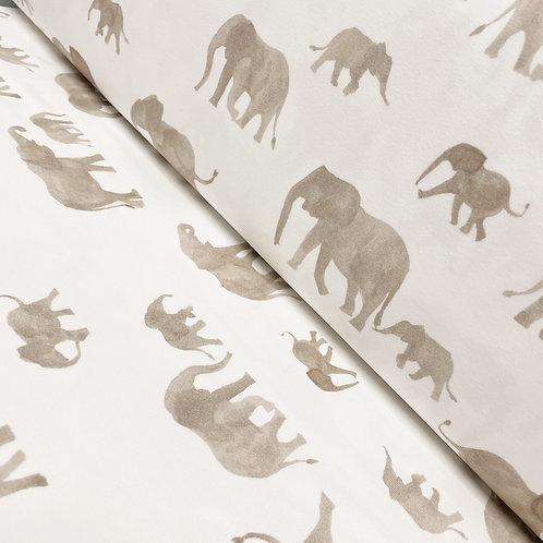 Jersey mit einer Elefantenfamilie, auf der Rolle