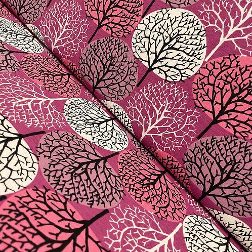 Jersey in pink mit Bäumen, auf der Rolle