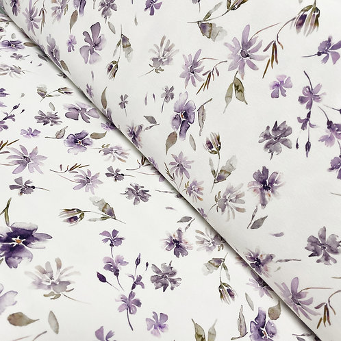 Jersey-Stoff mit lila Wildblumen, auf der Rolle