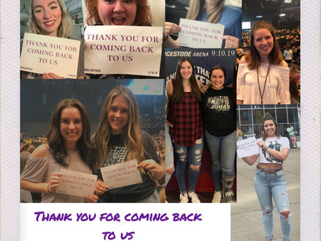 16,000 Signs Cause Jonas Brothers to Shed Tears at Nashville Show
