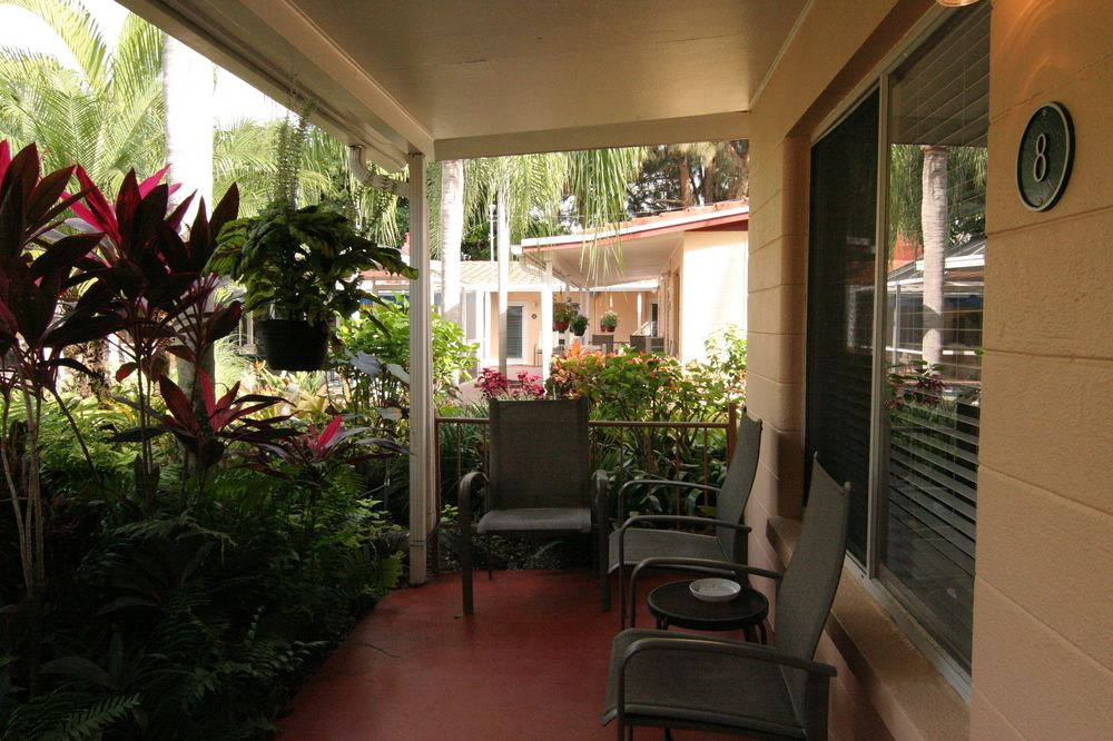 tropical_villas_of_venice_beach_8_porch_