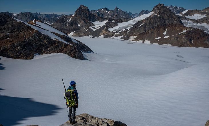 Glacier traverse - Nunatak adventures