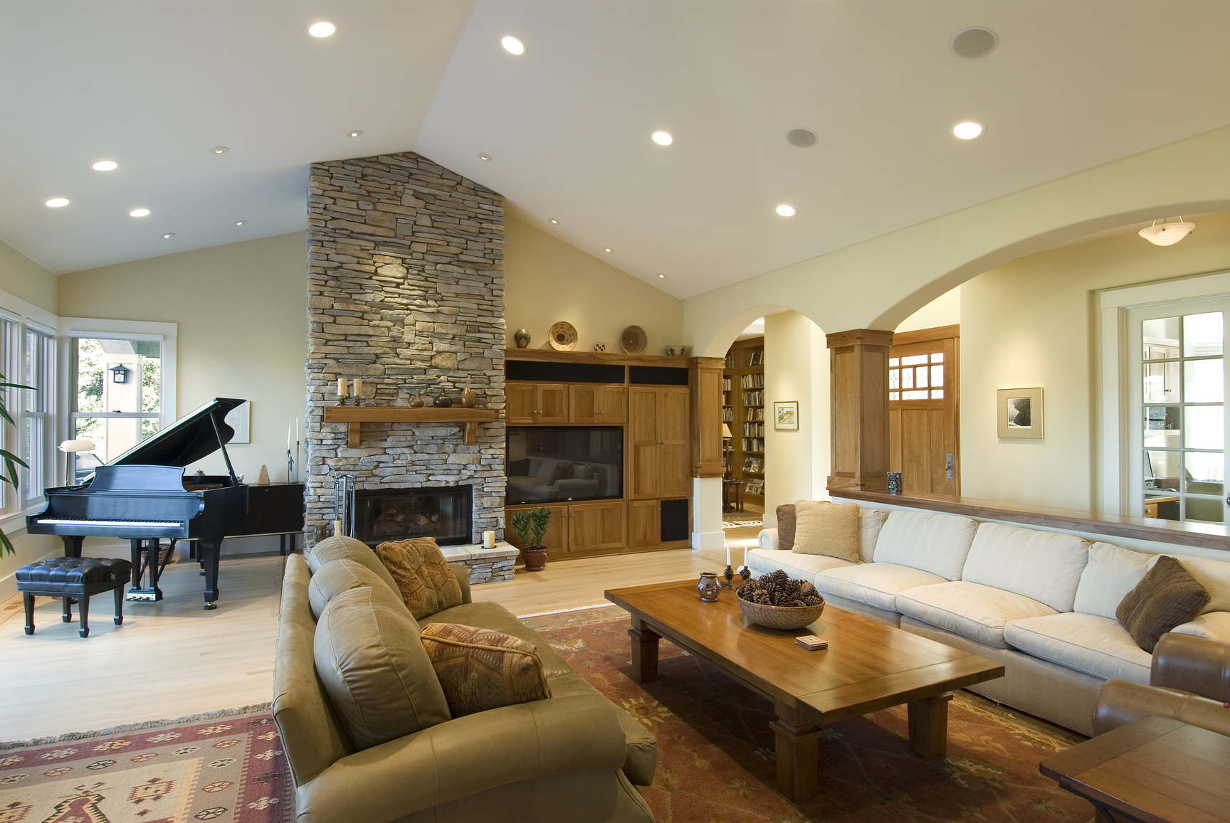 Large Living Room with Piano
