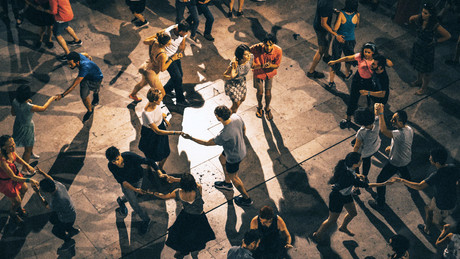 Let's Dance: Creating Ads That Enthrall