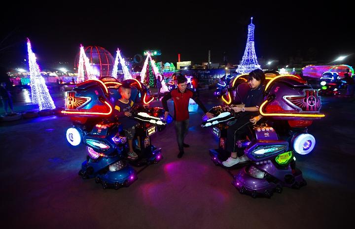 робот скутер для детей трансформер.png