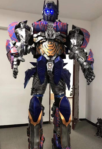 робот костют 1.png