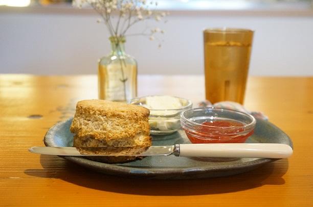 原宿 Binowa cafe スコーン