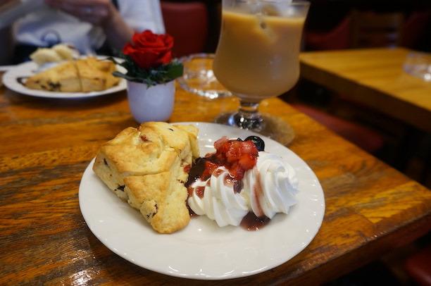 渋谷 Paris coffe スコーン