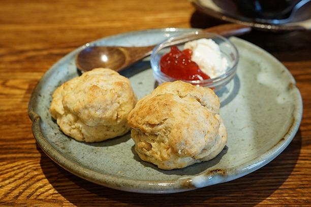 小岩 ayasu cafe スコーン