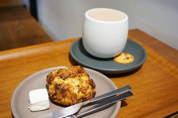 蔵前 Dandelion Chocolate FACTORY&CAFE スコーン