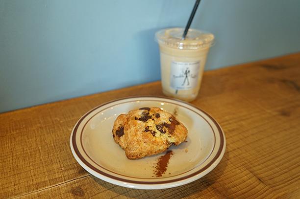 新宿御苑 DOUBLE TALL COFFEE スコーン