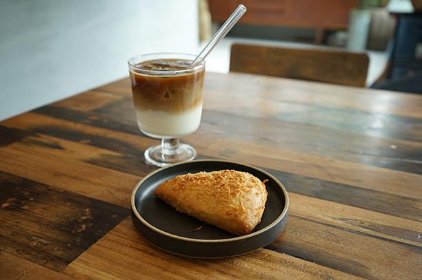 世田谷代田 UNIVERSAL BAKES and CAFE スコーン