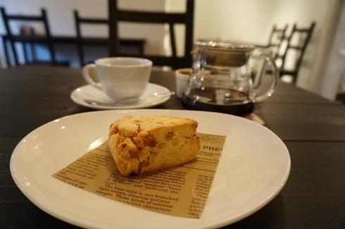 秋津 cafe LOOP スコーン
