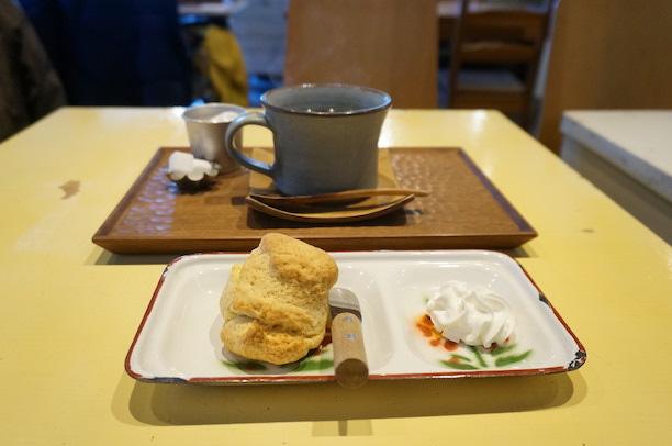 大口 kachakacha cafe スコーン