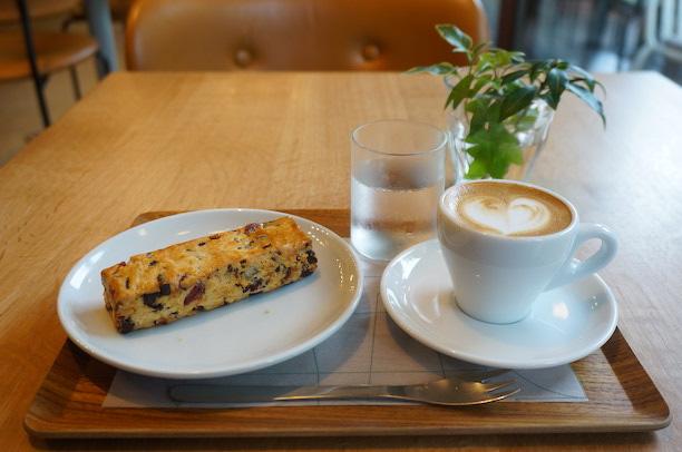 渋谷 WHITE GLASS COFFEE スコーン
